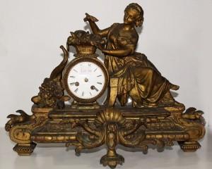 Leilão de Relógios  e Estatuetas - Homeware